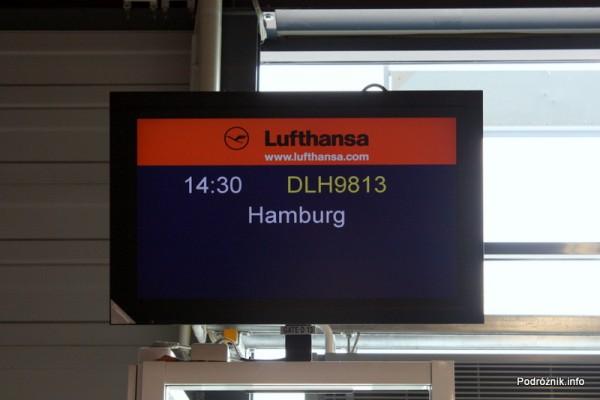 DLH9813 - Berlin Schoenefeld (SXF)-Hamburg (HAM) - monitor przy bramce