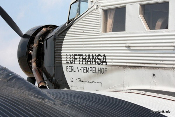 Junkers Ju52/3m - D-AQUI - D-CDLH - zbliżenie na napis LUFTHANSA BERLIN-TEMPELHOF