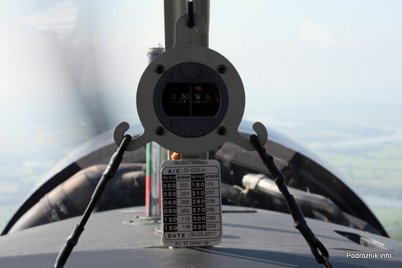 Junkers Ju52/3m - D-AQUI - D-CDLH - kompas