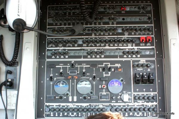 Junkers Ju52/3m - D-AQUI - D-CDLH - kokpit - panel z tyłu