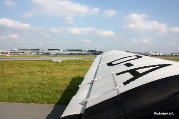 Junkers Ju52/3m - D-AQUI - D-CDLH - widok na terminal lotniska w Hamburgu