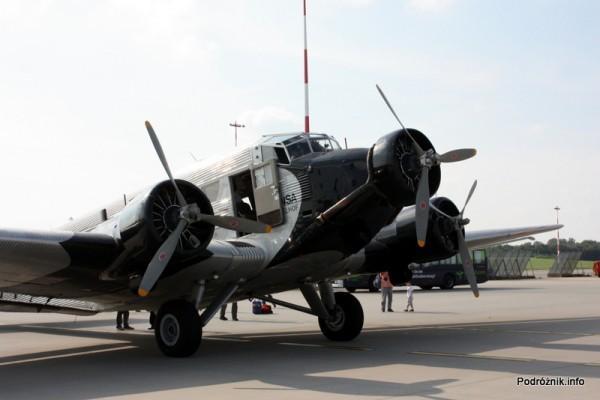 Junkers Ju52/3m - D-AQUI - D-CDLH - widok na przód od strony prawego silnika