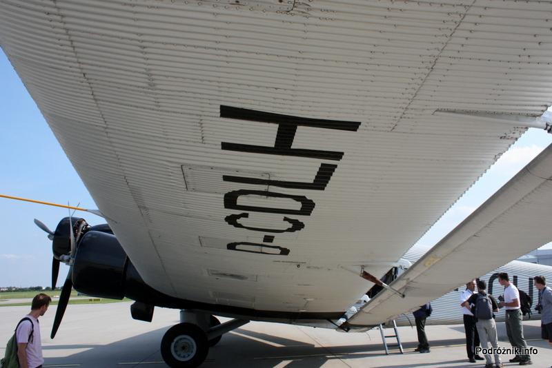 Junkers Ju52/3m - D-AQUI - D-CDLH - pod skrzydłem