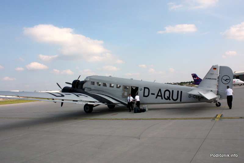 Junkers Ju52/3m - D-AQUI - D-CDLH - załoga kończy pracę