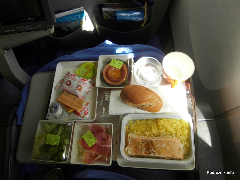 Vietnam Airlines - Boeing 777 - lunch