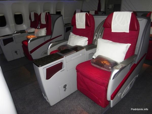 Qatar Airways - Boeing 777 - A7-BAA - fotele klasy biznes