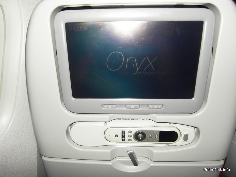 Qatar Airways - Boeing 777 - A7-BAA - ekran w oparciu fotela
