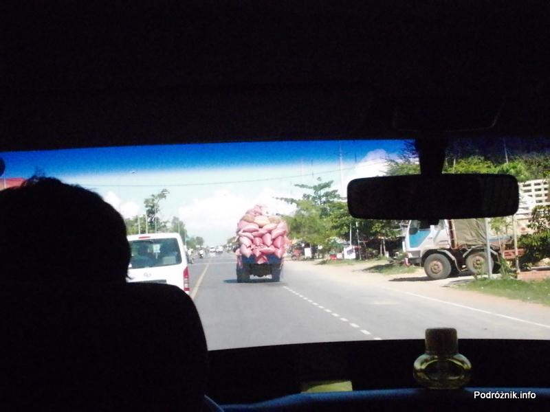 Kambodża - maj 2012 - widok z busa pomiędzy Poipet a Siem Reap