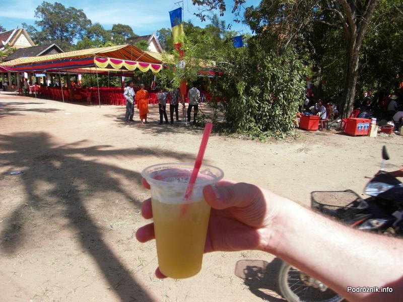 Kambodża - Siem Reap - maj 2012 - Angkor Wat - sok z trzciny cukrowej