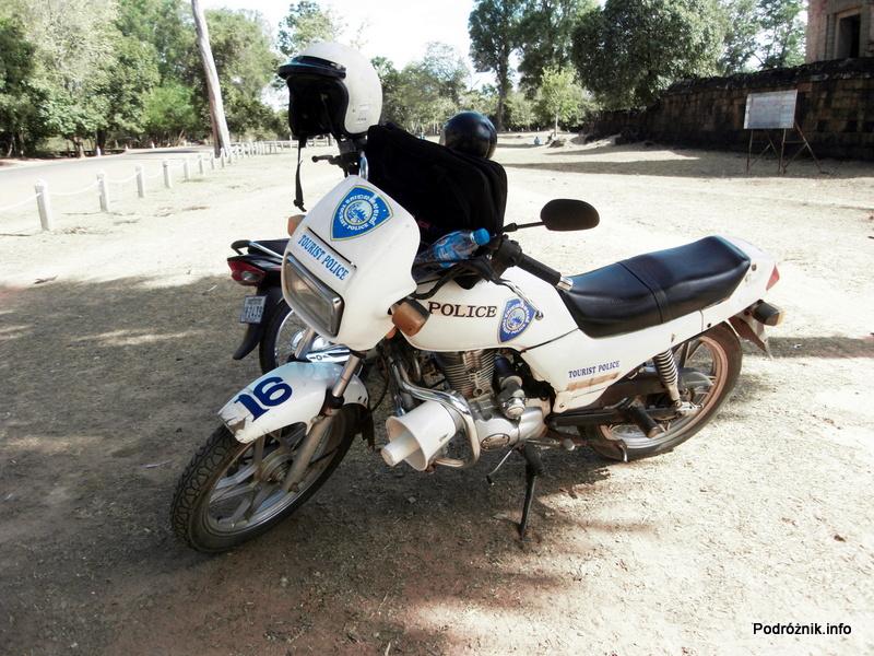 Kambodża - Siem Reap - maj 2012 - Angkor - motor kambodżańskiej policji