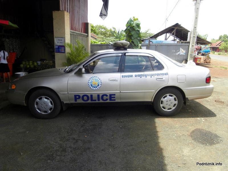 Kambodża - maj 2012 - samochód policji kambodżańskiej