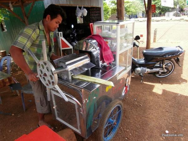 Kambodża - maj 2012 - prasa do przygotowywania soku z trzciny cukrowej