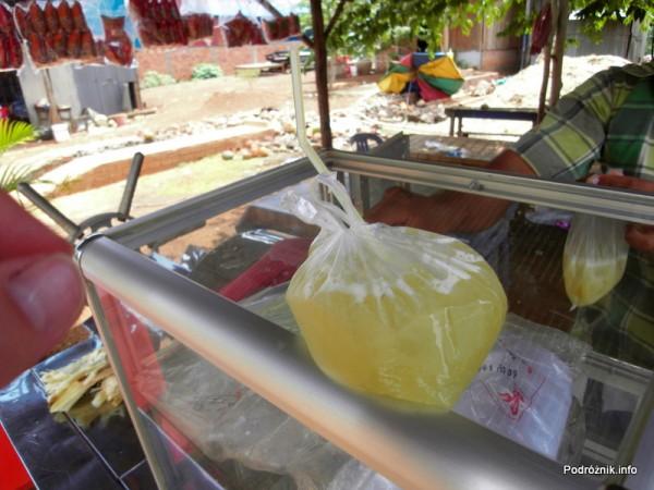 Kambodża - maj 2012 - sok z trzciny cukrowej