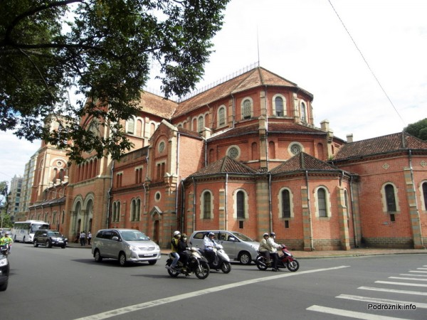 Wietnam - Ho Chi Minh (Sajgon) - maj 2012 - Katedra Notre Dame (Nha Tho Duc Ba)