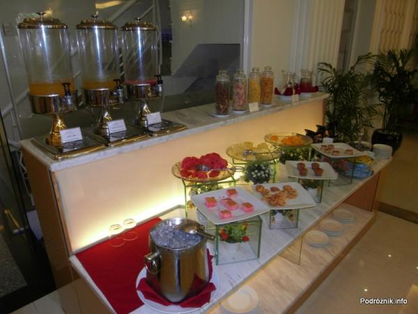 Wietnam - Ho Chi Minh (Sajgon) - maj 2012 - Silverland Hotel & Spa -śniadanie - słodki bufet