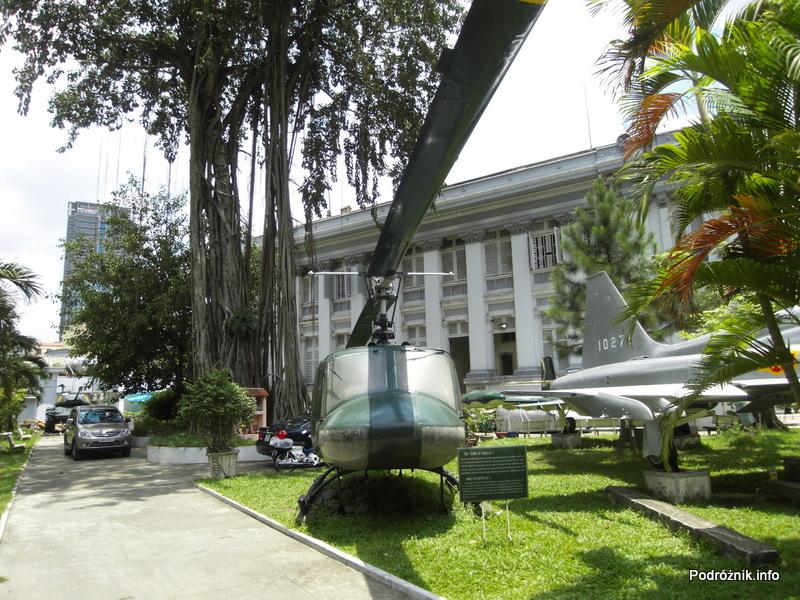 Wietnam - Ho Chi Minh (Sajgon) - maj 2012 - Muzeum Miasta Ho Chi Minh - Helikopter UH-1