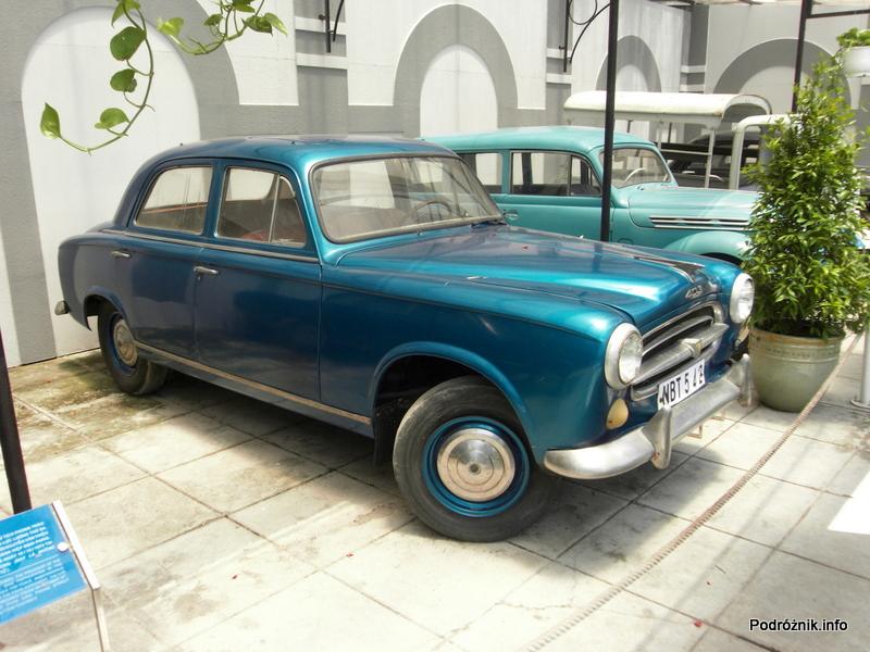 Wietnam - Ho Chi Minh (Sajgon) - maj 2012 - Muzeum Miasta Ho Chi Minh - zabytkowy samochód