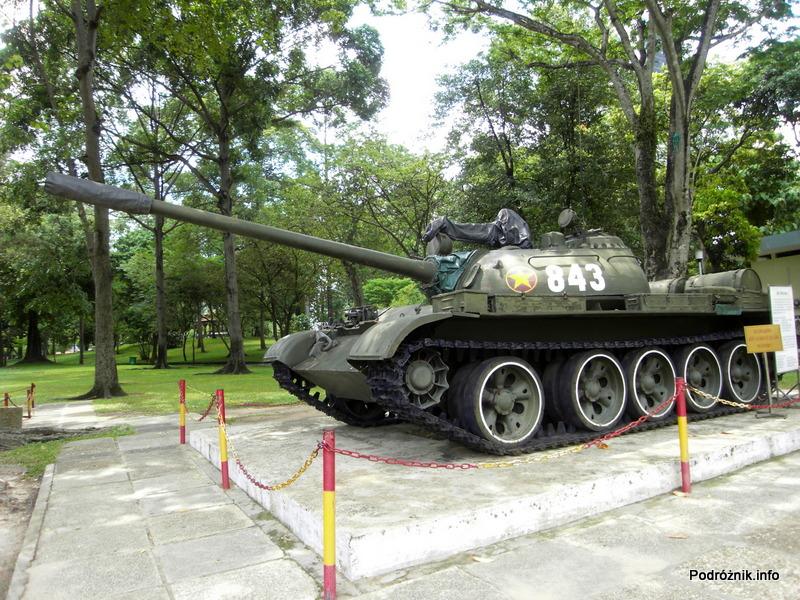 Wietnam - Ho Chi Minh (Sajgon) - maj 2012 - Pałac Zjednoczenia - czołg 843