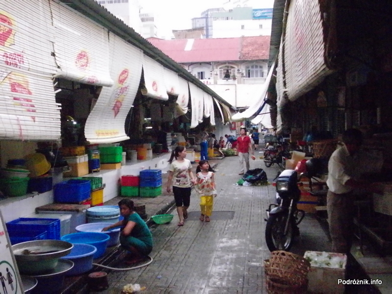 Wietnam - Ho Chi Minh (Sajgon) - maj 2012 - Ben Thanh Market