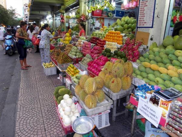 Wietnam - Ho Chi Minh (Sajgon) - maj 2012 - Ben Thanh Market - owoce egzotyczne