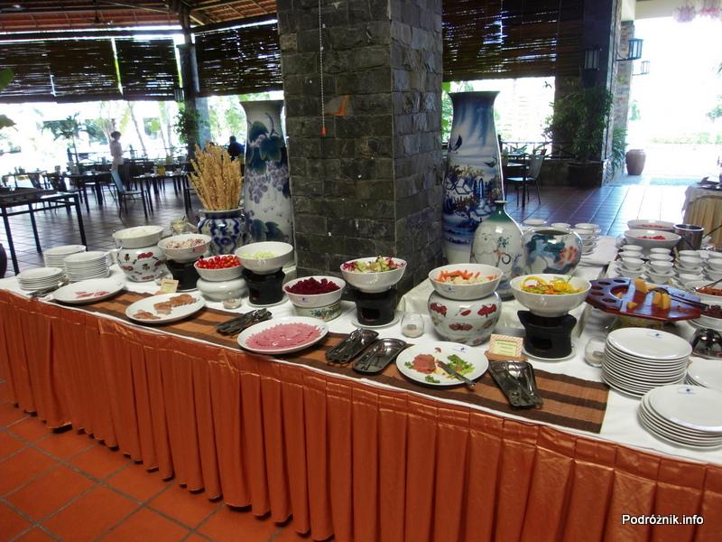 Wietnam - Nha Trang - maj 2012 - Diamond Bay Resort & Spa - śniadanie