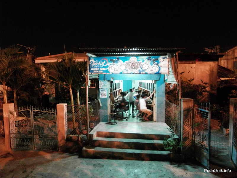 Wietnam - Nha Trang - maj 2012 - salon gier