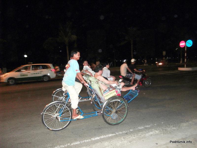 Wietnam - Nha Trang - maj 2012 - riksze
