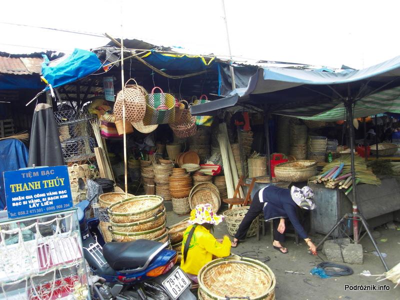 Wietnam - Nha Trang - maj 2012 - bazar - wyroby z wikliny