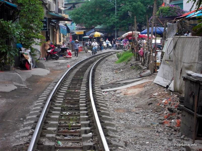 Wietnam - Hanoi - maj 2012 - tory kolejowe