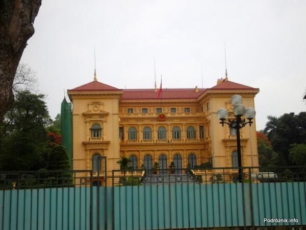 Wietnam - Hanoi - maj 2012 - okolice mauzoleum, tu są przyjmowane oficjalne delegacje
