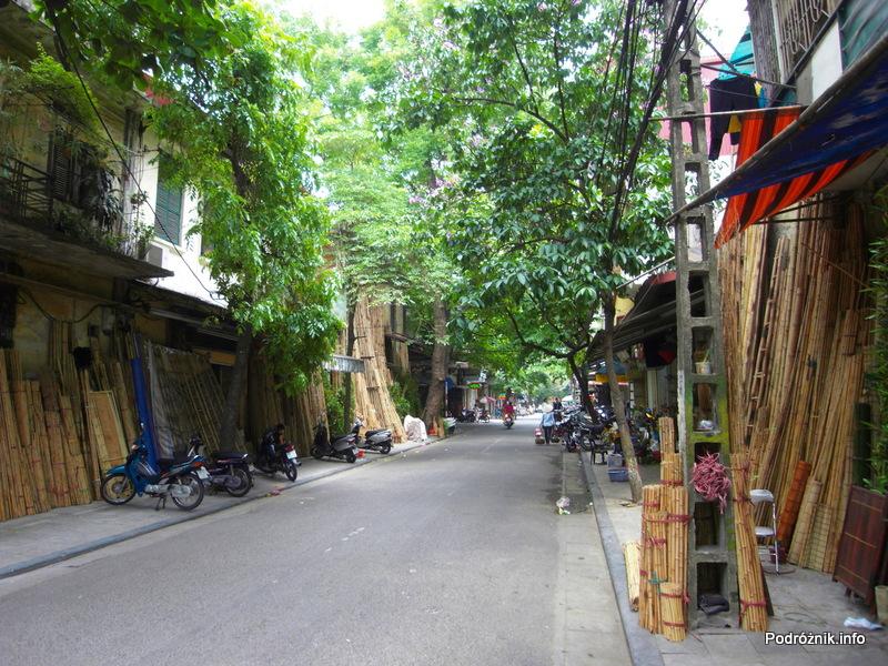 Wietnam - Hanoi - maj 2012 - ulica z wyrobami z wikliny