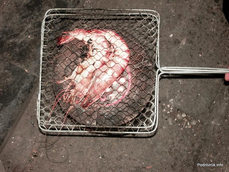 Wietnam - Hanoi - maj 2012 - gambas pieczone na grillu