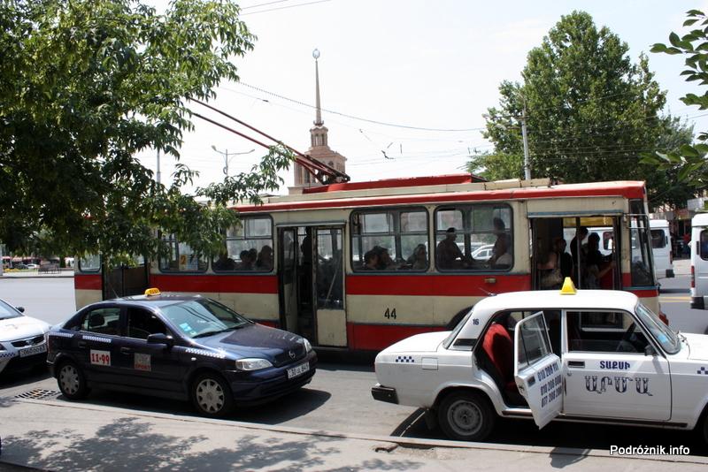 Armenia - Erewan - lipiec 2012 - trolejbus