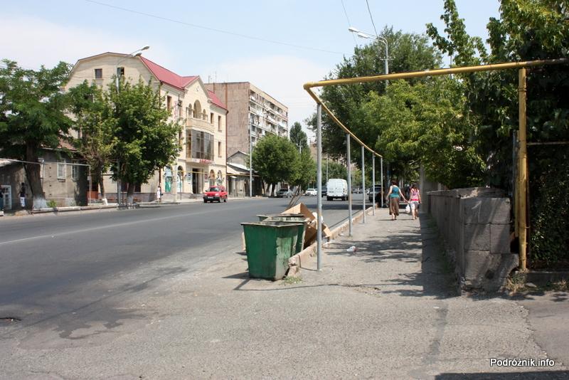 Armenia - Erewan - lipiec 2012 - ulica na wprost dworca kolejowego