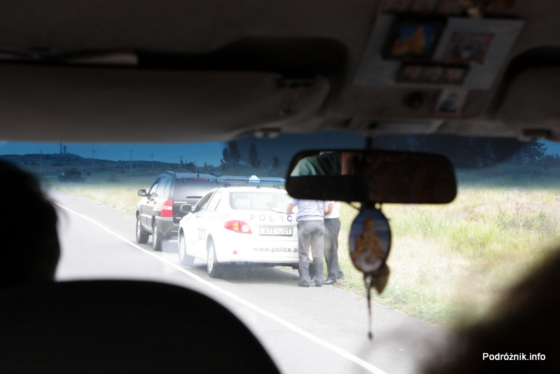 Armenia - sierpień 2012 - samochód policyjny