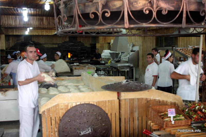 Armenia - sierpień 2012 - piekarnia