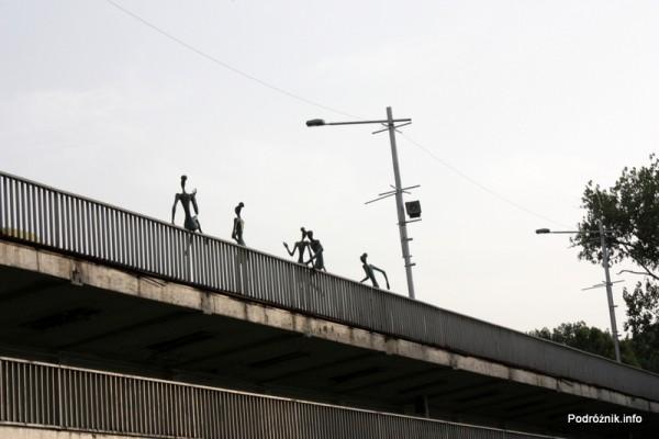 Gruzja - Tbilisi - sierpień 2012 - pomnik pań lekkich obyczajów