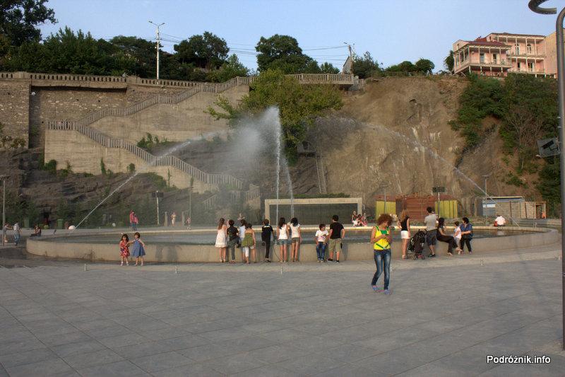 Gruzja - Tbilisi - sierpień 2012 - Park Europejski - fontanna