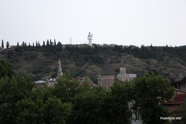 Gruzja - Tbilisi - sierpień 2012 - pomnik Matki Gruzji patrzącej na miasto