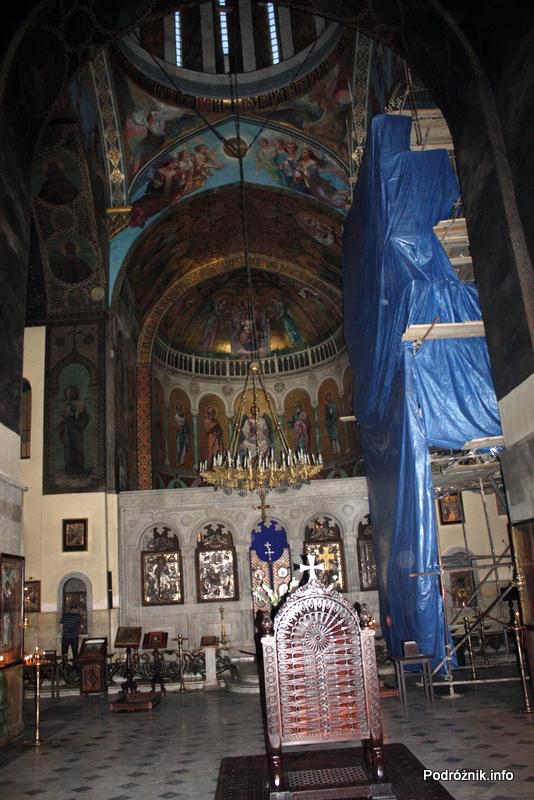 Gruzja - Tbilisi - sierpień 2012 - wnętrze katedry Sioni