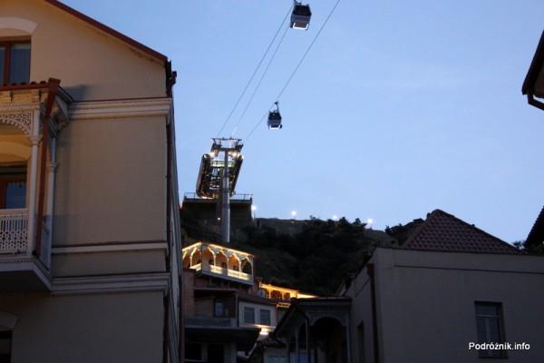 Gruzja - Tbilisi - sierpień 2012 - wagoniki kolejki linowej