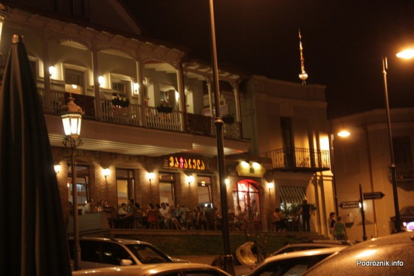 Gruzja - Tbilisi - sierpień 2012 - restauracja po zmroku