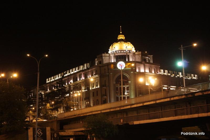 Gruzja - Tbilisi - sierpień 2012 - nocne zdjęcie