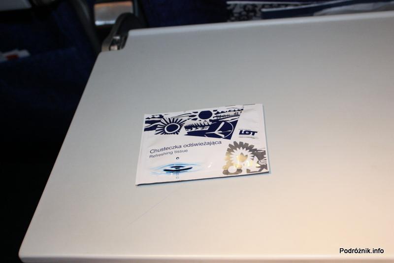 Polskie Linie Lotnicze LOT - Boeing 737-500 - SP-LKE - chusteczka odświeżająca w nowym opakowaniu