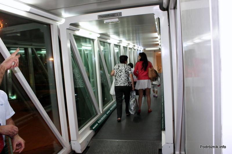 Erewan - Zvartnots International Airport - rękaw