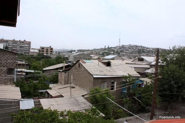 Armenia - Erewan - lipiec 2012 - widok z okna na okolicę