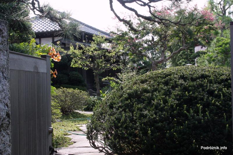 Japonia - Narita - ogród - sierpień 2012