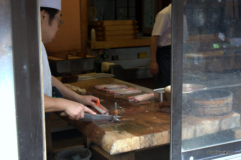Japonia - Narita - przygotowanie ryb na sushi - sierpień 2012