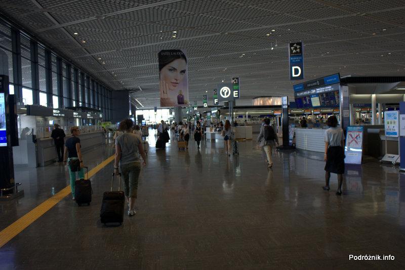 Japonia - Tokio Narita - hala odlotów - skrzydło południowe - terminal 2 - sierpień 2012