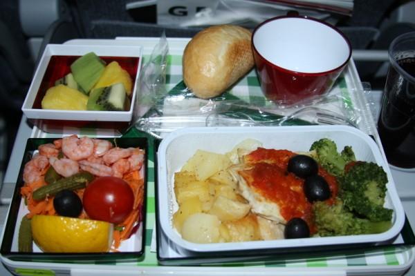 Alitalia - Boeing 777 - I-DISU - seafood - posiłek na zamówienie